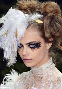 Paris-Haute-Couture-Fashion-Week-Cara-Delevingne-Chanel-JPG_101010