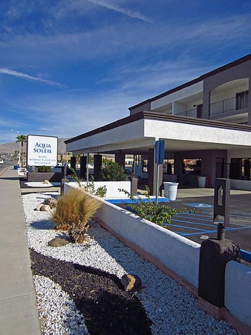 Hotel Front & Lobby